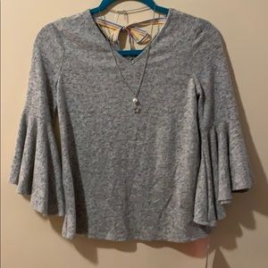 Girls 14 Large grey sweater with v-neck & necklace